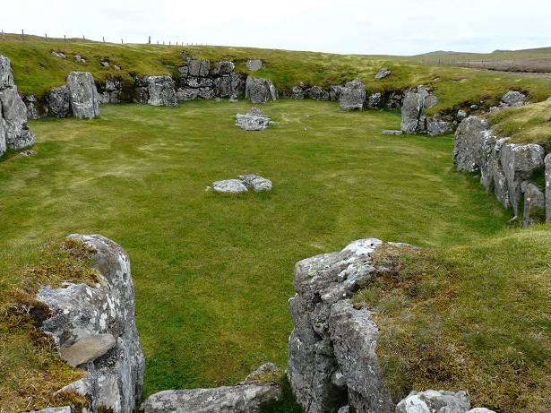 De overblijfselen van de Staneydale tempel