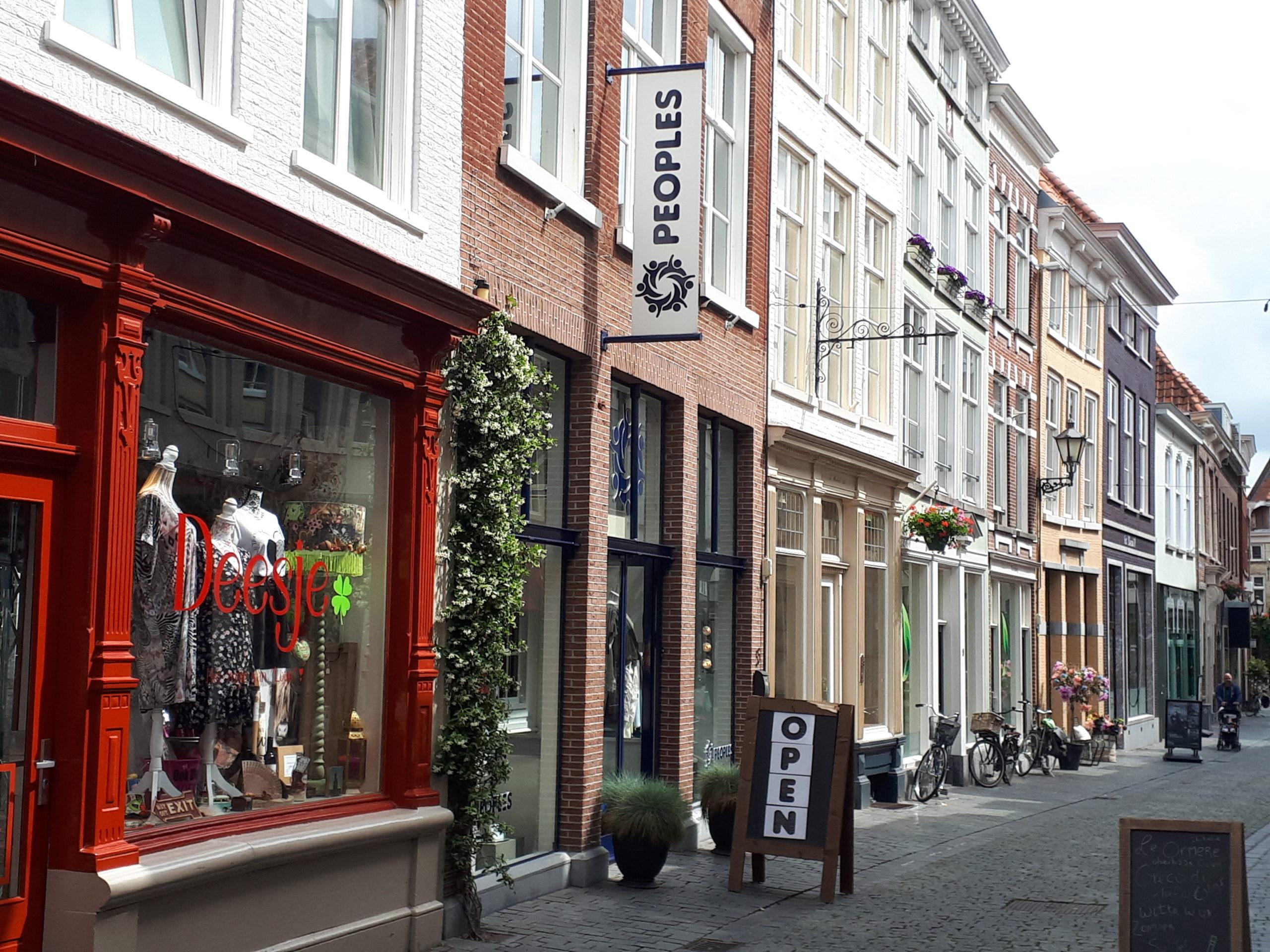 Peoples Bergen op Zoom kleding